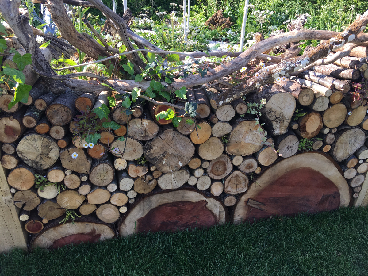 log pattern wall by Maia Hall and Aaron Southgate